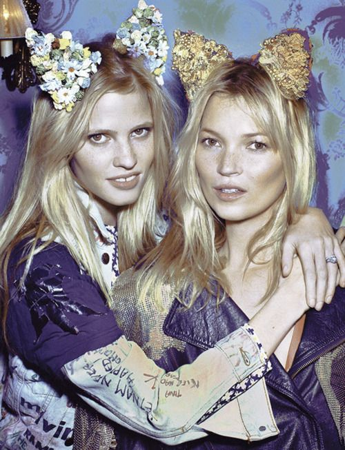 Lara Stone and Kate Moss   SurLaLune