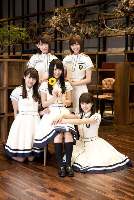 TSUTAYA on IDOL - 欅坂46「世界には愛しかない」 - TSUTAYA [T-SITE]