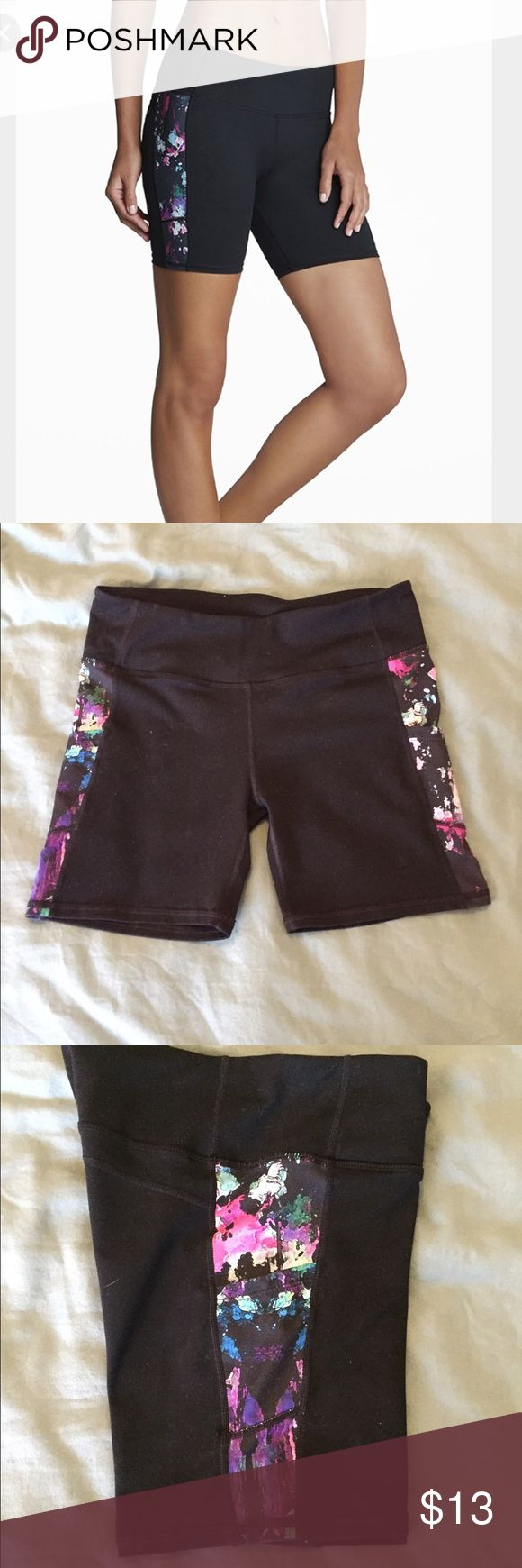 Fabletics Suki Fitted Shorts W/ Thigh Pockets XXS Fabletics Suki Shorts XXS in Black/ Pink Lava. Pockets on both thighs for phone, cards, etc; small waistband pocket. Triangle gusset. VGUC: No pilling, rips, tears. Super cute! Fab XXS fit like Lululemon 4. Similar to Lulu Speed Track Shorts. (Tagged Lulu for exposure and comparison) Lower on Ⓜ️ lululemon athletica Shorts