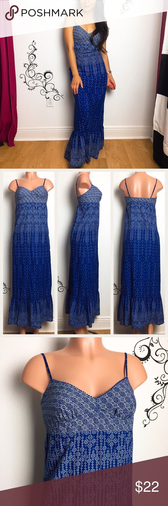 "American Eagle Outfitters • blue maxi dress Pretty blue and white maxi dress from American Eagle Outfitters.  Adjustable straps, stretchy empire waist. Cute spring and summer dress!   Condition: like new, no flaws found, great condition overall, not faded Size: 0 or XXS Chest: 13-16 inches  Length: 46"" pit to hem Fabric: cotton  🚫trade American Eagle Outfitters Dresses Maxi"