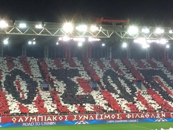 Superbe Tifo des supporters de l'Olympiakos vs MU - http://www.actusports.fr/90891/superbe-tifo-des-supporters-de-lolympiakos-vs-mu/