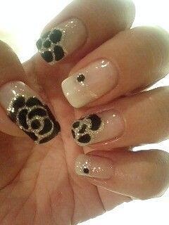 White Spring Nail Designs with Flowers