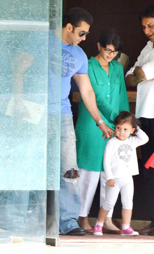 Salman Khan plays with his niece. #Bollywood #Fashion #Style