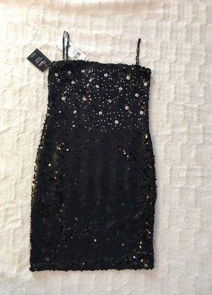 Kup mój przedmiot na #vintedpl http://www.vinted.pl/damska-odziez/sukienki-wieczorowe/21666401-sukienka-cekinowa-mala-czarna-blogerska-sylwestrowa-nowa-z-metkami-s