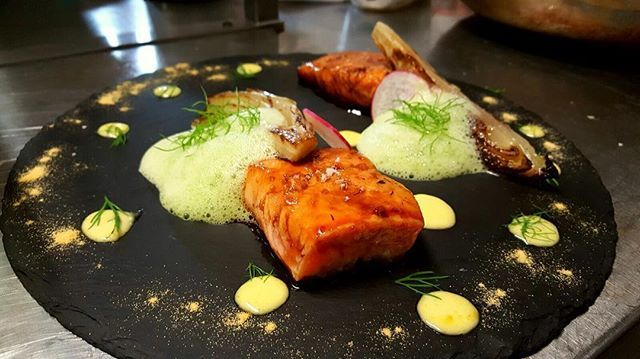 Trancio di salmone affumicato laccato all'aceto di mele, maionese allo zenzero, indivia grigliata e spuma di aneto. #fish #pesce #good #lunch #eatclean #eat #love #foodporn #food #foodstagram #foodie #foodgasm #cooking #chef #chefsofinstagram #me #like4like #likeforlike #followme #follow4follow #followforfollow #likes #l4l #f4f #pranzo #fat #picoftheday #insta #instafood #salmone  Yummery - best recipes. Follow Us! #foodporn