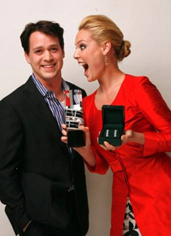 Katherine Heigl and T. R. Knight.