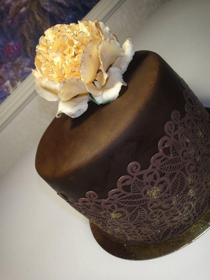Вкуснейший муссовый торт в мастике. Малиновая, клубничная прослойки и сы...