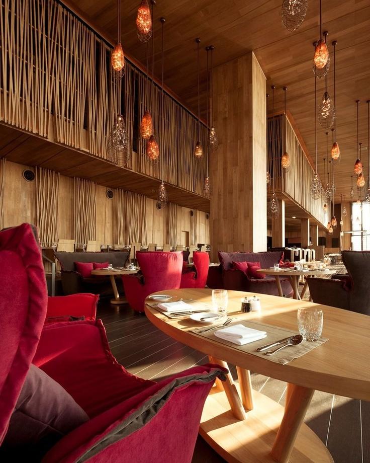 restaurantArchitecture Interiors, Cozy Chairs, Restaurants Interiors, Hotels Interiors, Interiors Design, High Ceilings, Restaurants Design, Comfy Furniture, Hilton Pattaya