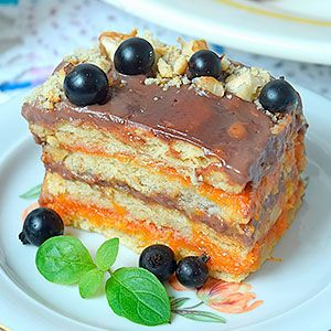 Торт из печенья без выпечки со сметаной и фруктами
