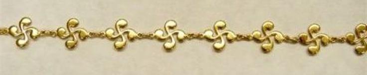 Bracelet - Faux Gold | The Basque Museum & Cultural Center | Boise, ID