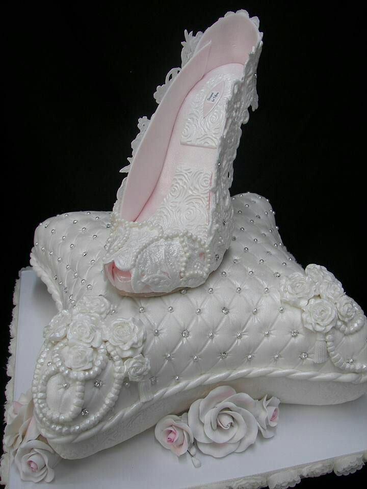 10 best images about decorative pillow cakes on pinterest indian cake cakes and wedding cakes. Black Bedroom Furniture Sets. Home Design Ideas