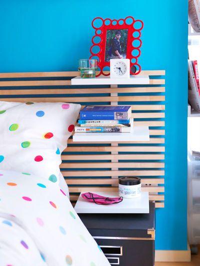 """Tête de lit """"Mandal"""" avec 6 tablettes amovibles incluses en bouleau massif, L 241 cm x P 7 cm x H 62 cm, 160 euros, Ikea."""