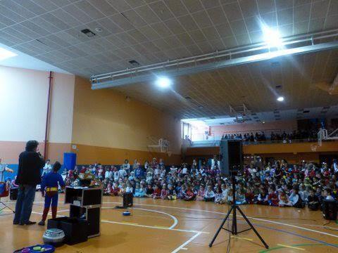 Fiesta escolar en el Colegio Vedruna de las Hermanas Carmelitas de la Caridad, Pamplona