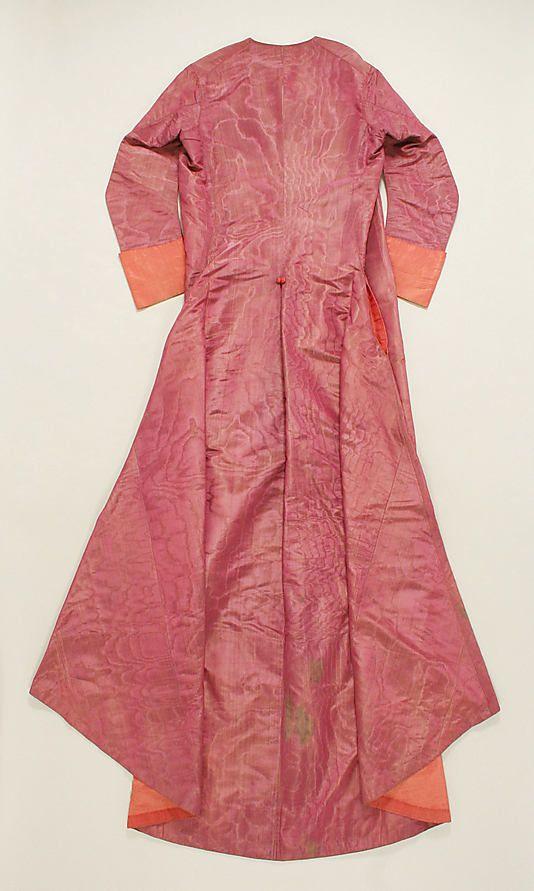 Cassock Date: ca. 1740 Culture: Italian Medium: Silk Accession Number: 1982.275a, b
