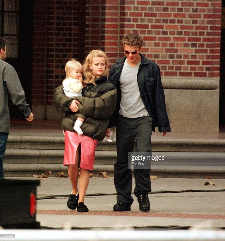 Actress Reese Witherspoon Is visited by her husband Ryan Phillippe and their child on the set of 'Legally Blonde' October 21, 2000 in Los Angeles, CA.