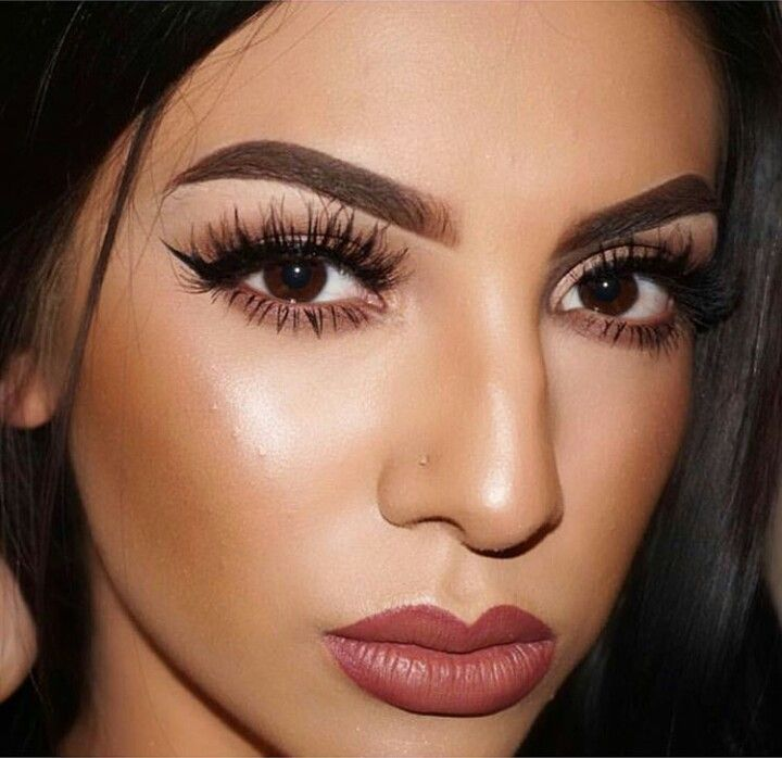 Koko Lashes in 'Queen Bee'