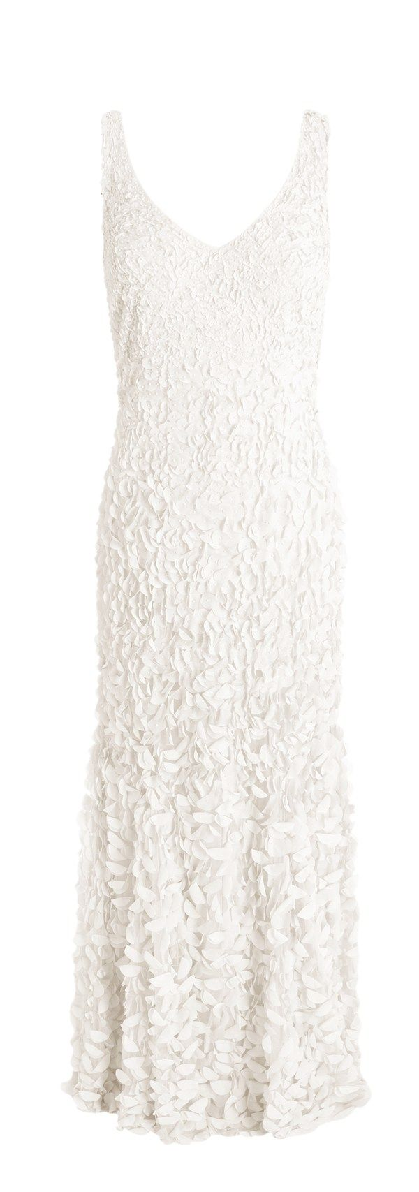 Take a look at our stunning selection of gorgeous wedding gowns for under £1,000