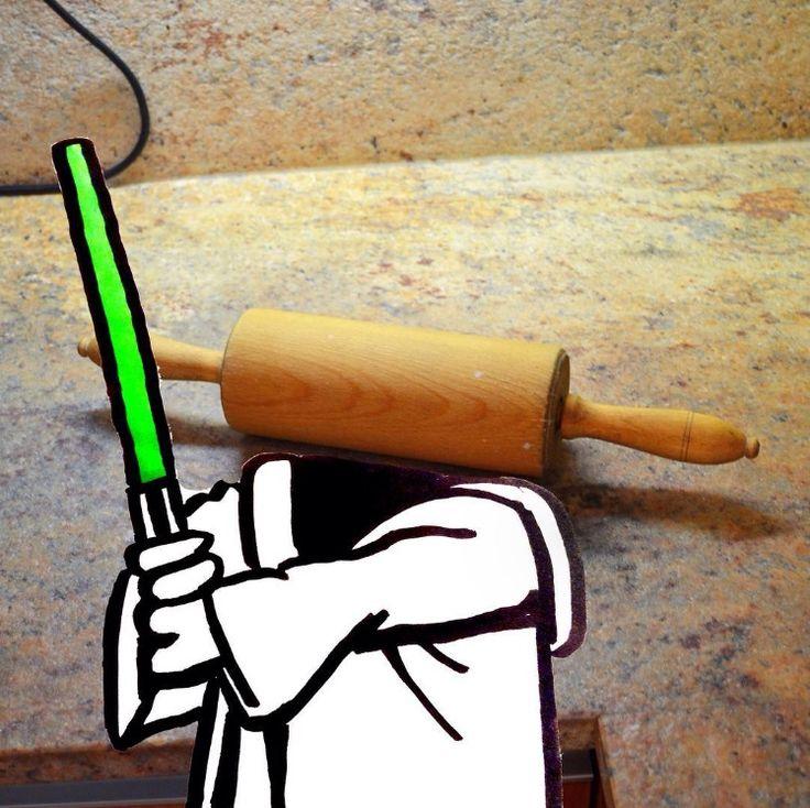 הפטריה   המאייר הזה משתמש בחפצים יומיומיים כדי להשלים את הציורים המצחיקים שלו