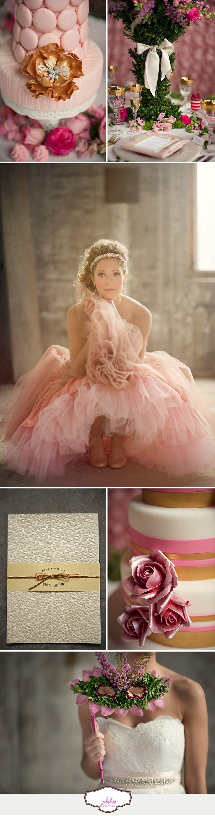 Quinceañera, dorado y rosa como gama de colores. #bodascasablanca Salon de Eventos #Casa Blanca #MomentosMemorables