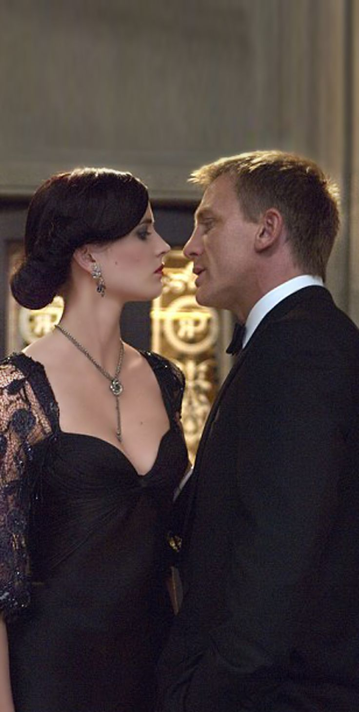 James bond ( Daniel Craig ) and Vesper ( Eva Green) one of my fav bond couples but sad ending