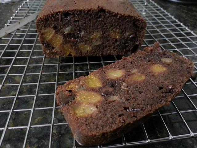Bolo de chocolate com damasco, gengibre e marzipã - Chocolate loaf cake with apricots, ginger and marzipan - Pierre Hermé
