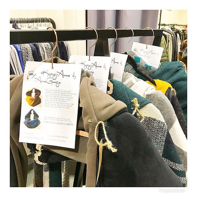 A warm gift for for someone who is always cold //🧣& hoodie // Handmade by #Kapusj-Anne // Only available at Poush.Store Noordwijk // Hoofdstraat 98 Noordwijk aan Zee // PoushStore Wassenaar || shop-in-shop || conceptstore filled with Dutch Unique Brands
