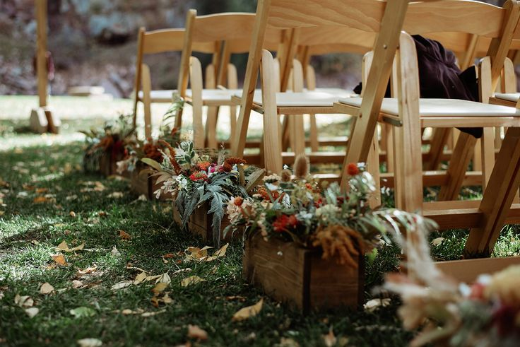Fall flower boxes down the aisle. Photo by June Cochran.
