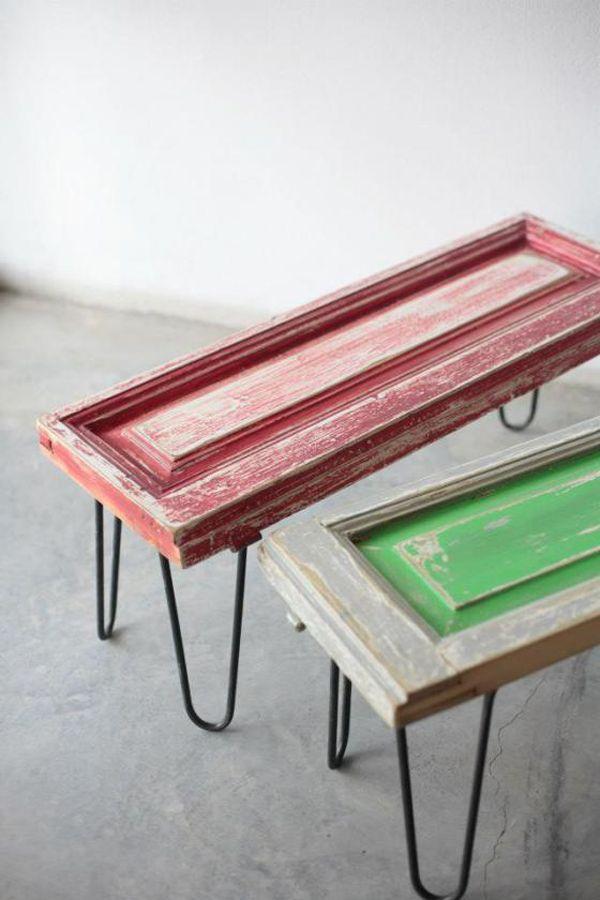 Unas viejas puertas o unas contras de ventana de madera pueden converirse en unas originales mesas de centro