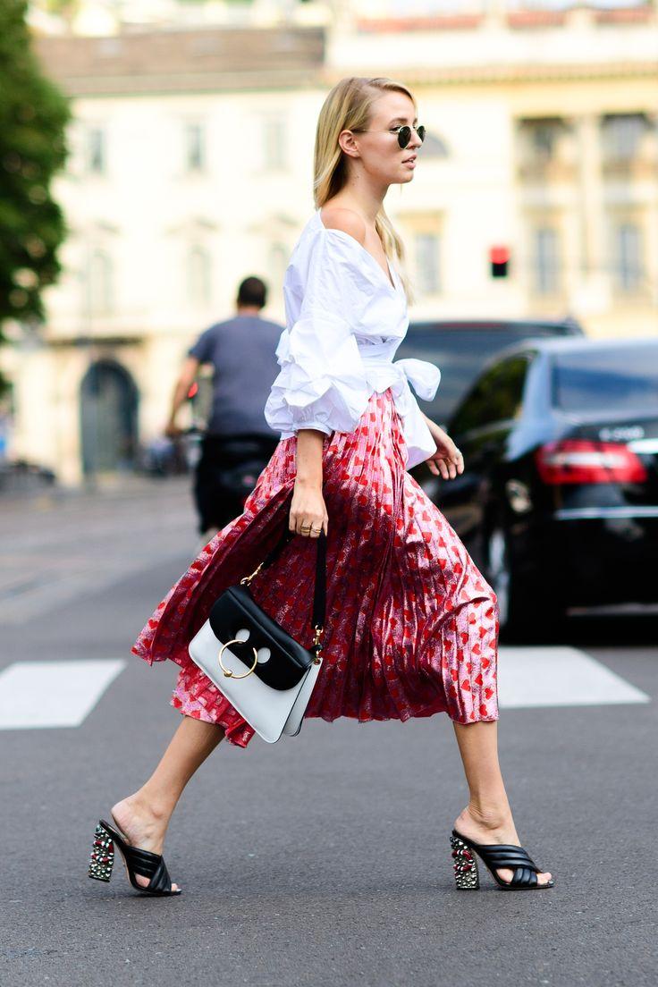 The Best Street Style From Milan Fashion Week Moda Mayores De 50 Ropa Informal Y Informal