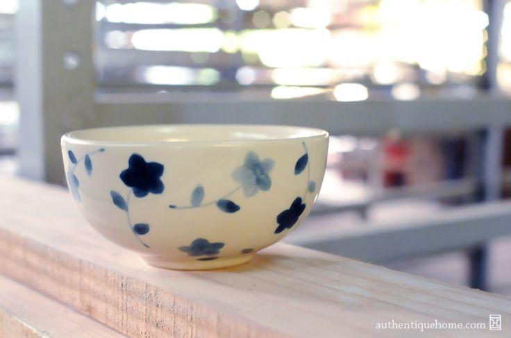 #Authentique #Home #Vietnam #Saigon #Ceramics #Kiln #Bowl #Blue #Flower #Pattern #indigo #Floral #window #BatTrang #handpainted #handmade