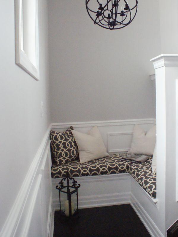 The Minted Mama DIY Bench Cushion Tutorial