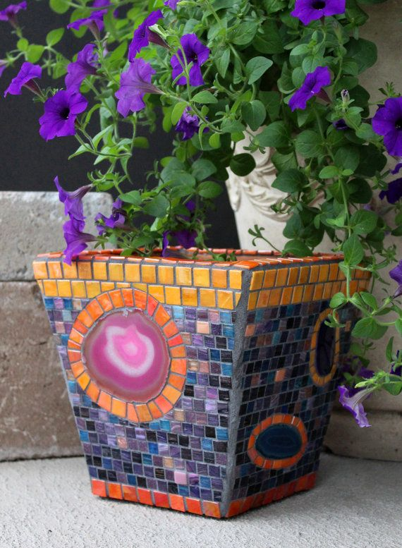 Noches de verano - mosaico jardinera con rodajas de ágata