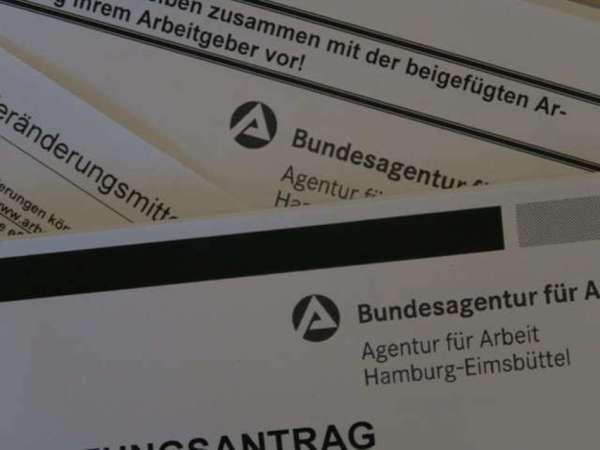 Du planst eine weltreise oder gar eine auswanderung? Erfahre hier, wie du dir deinen Anspruch auf arbeitslosengeld sicherst, wenn du innerhalb von 4 Jahren nach Deutschland zurück kommst! #arbeitslosengeld #auswandern #weltreise #arbeitsamt #anspruch #absicherung #rückkehr #sicherheit