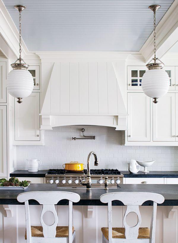 1000 ideas about white cottage kitchens on pinterest. Black Bedroom Furniture Sets. Home Design Ideas