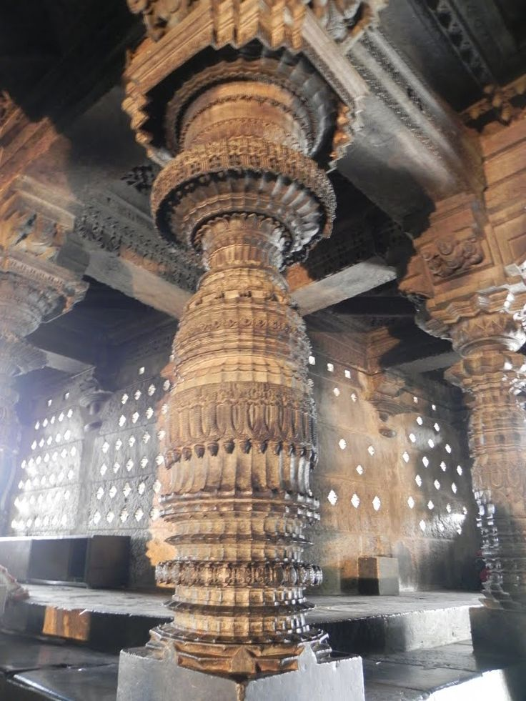 SINGLE STONE CARVED PILLAR, CHENNAKESAVA TEMPLE, BELUR