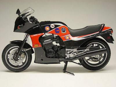 Racing Scale Models: Kawasaki GPZ 900 R «Top Gun» …