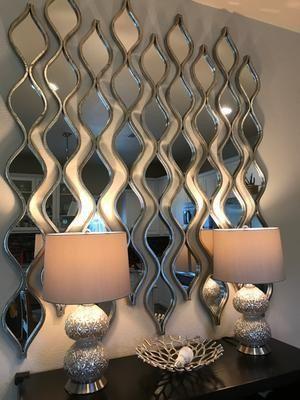 Dining Room Mirror Wall, Dining Room Walls, Mirror Panel Wall, Living Room Mirrors, Mirror Mirror, Silver Wall Decor, Silver Walls, Hallway Decorating, Entryway Decor