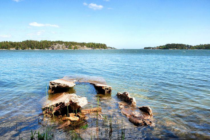 https://flic.kr/p/umCkRt | Untitled | Villa Sommaro ruins (1920s - 1963). Set: Matosaari (Helsinki, Finland) + Nature - Landscapes + collection: Urban exploration