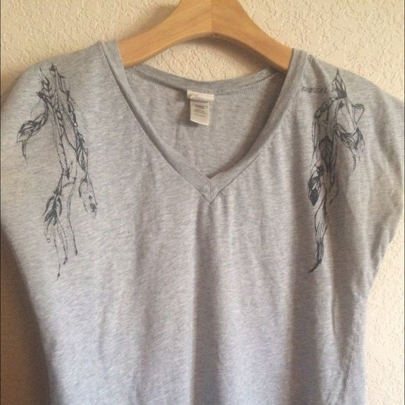Diesel brand soft grey tee with feather print Heather grey t shirt with hot feather print coming down from the tops of the shoulders. Diesel. Diesel Tops Tees - Short Sleeve