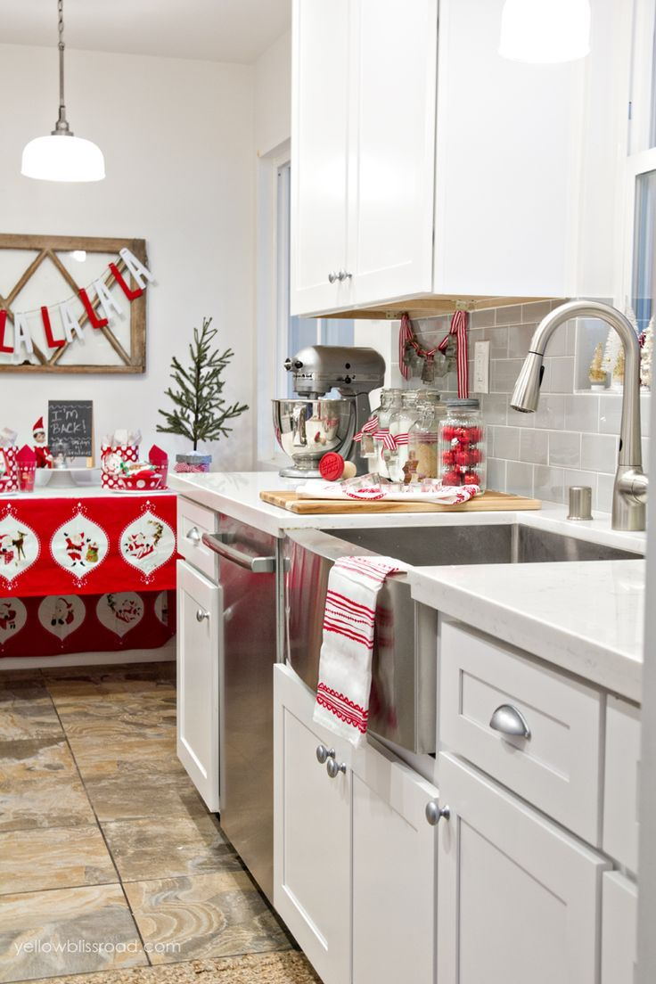 Holiday Kitchen Decor | My Christmas Kitchen