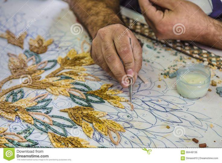 Il Master Fa I Mosaici Artistici Mosaico In Giordania - Scarica tra oltre 48 milioni di Foto, Immagini e Vettoriali Stock ad Alta Qualità . Iscriviti GRATUITAMENTE oggi. Immagine: 68448136