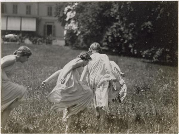 "attempts-at-greatness: "" Frédéric Boissonnas, Three Girls Dancing in the Garden, 1913 """