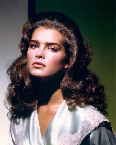 http://imgc.allpostersimages.com/images/P-473-488-90/54/5488/EYBWG00Z/posters/brooke-shields.jpg