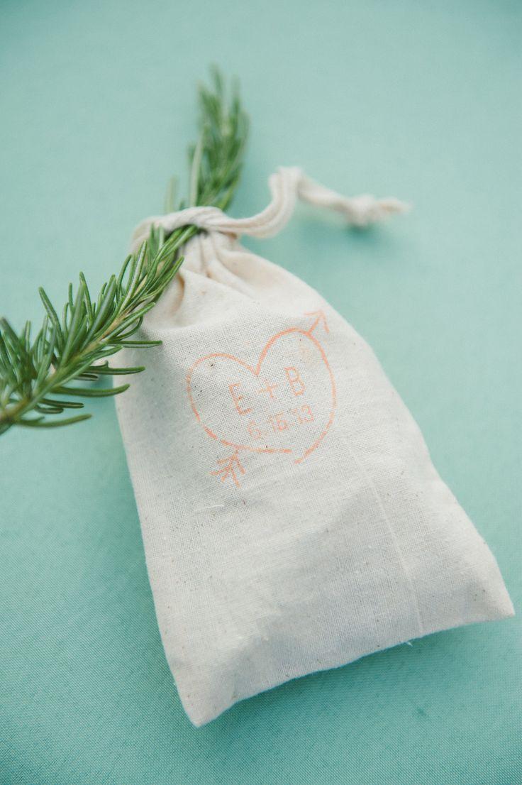 139 best Wedding Favors images on Pinterest | Wedding keepsakes ...