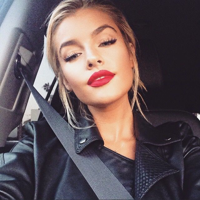 Jean Watts red lips! Love it