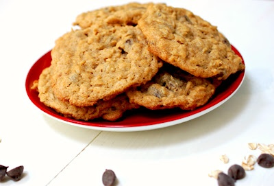 ... for dessert!: Chunky peanut butter and oatmeal chocolate chipsters