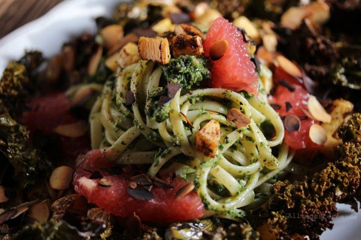 #stuttgartviermal3 {Winter No. 2} *Alltagssterne* - Bavette mit Feldsalat-Pesto auf Grünkohl-Chips-Bett mit Steckrübenwürfel und Grapefruit-Spalten