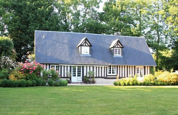 17 best images about house hunting in normandy on for Top garage caen