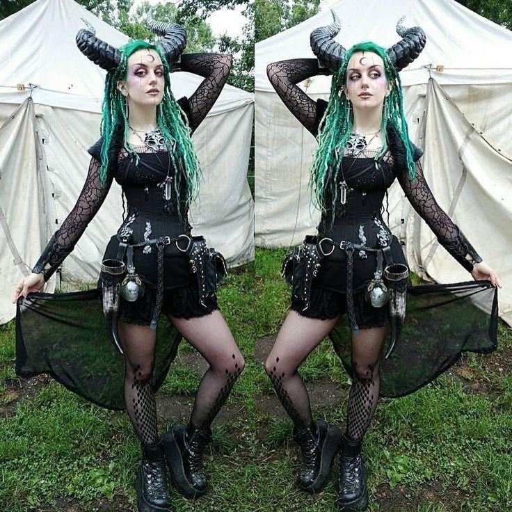 """Amazing Forest Fae, Annika @manicmoth wearing the Virivee black dragon tights"""