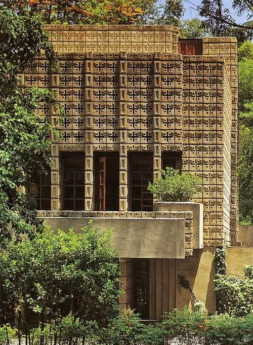 Frank Lloyd Wright, The Millard House (La Miniatura), 1926, Pasadena, California.